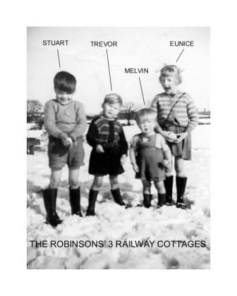 Robinson children of 3 Railway Cottages